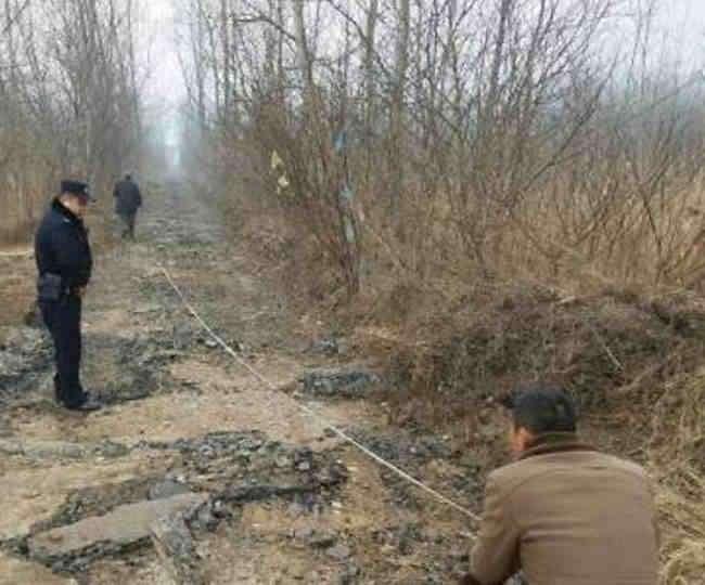 चीन में हुई अजीबों गरीब घटना, एक शख्स ने रातों रात बेची सड़क