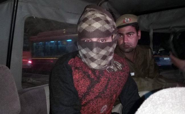 दिल्ली पुलिस ने 70 हजार के इनामी तनवीर शूटर को किया गिरफ्तार