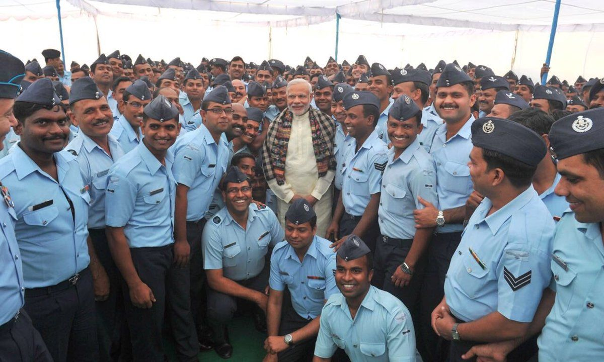 वायु सेना को दी बधाई मोदी ने.