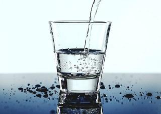पानी पीने के सही तरीके