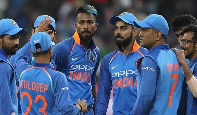 सबकुछ ठीक नहीं चल रहा है,भारतीय क्रिकेट टीम के अंदर !