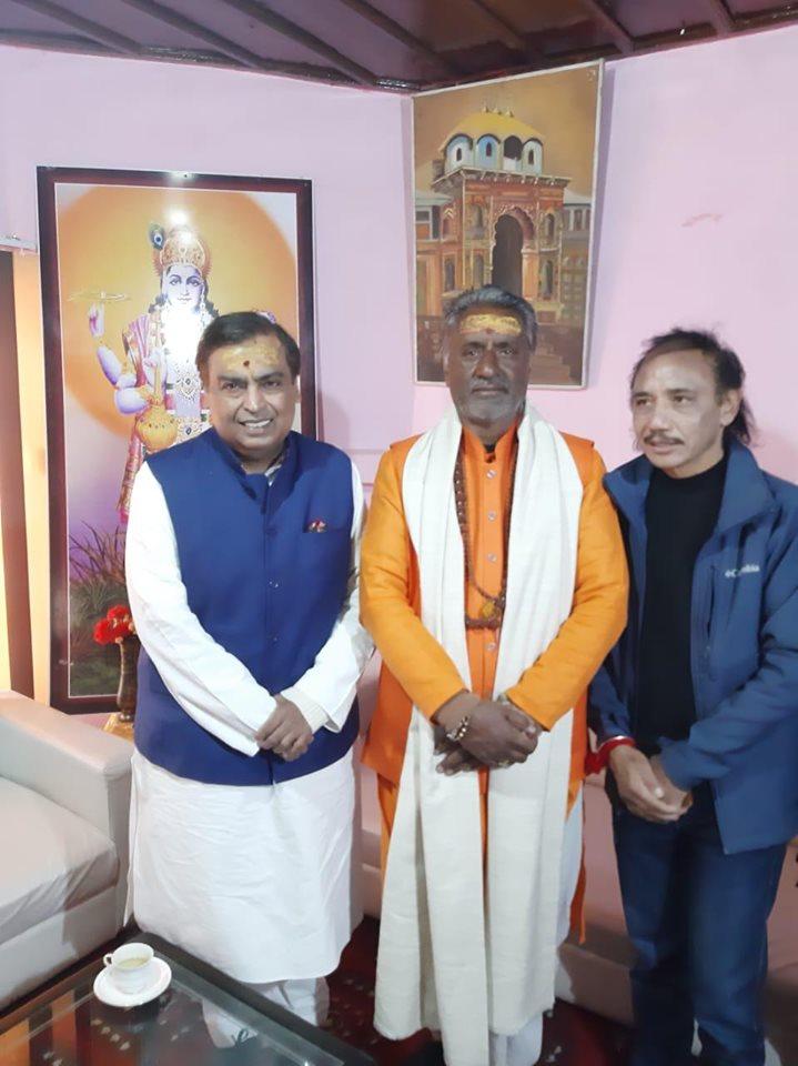 बदरीनाथ धाम पहुंचे उद्योगपति मुकेश अंबानी,भगवान कुबेर-माँ लक्ष्मी की की पूजा