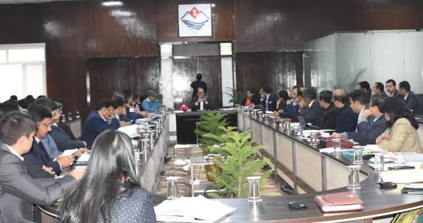 राज्य की विभिन्न योजनाओं पर मुख्य सचिव उत्पल कुमार ने ली बैठक