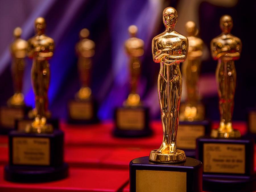 फिल्मी दुनिया की किन हस्तियों ने जीता ऑस्कर?
