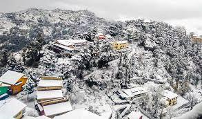 धनोल्टी-नैनीताल समेत चारों धाम में हुई भयंकर बर्फबारी