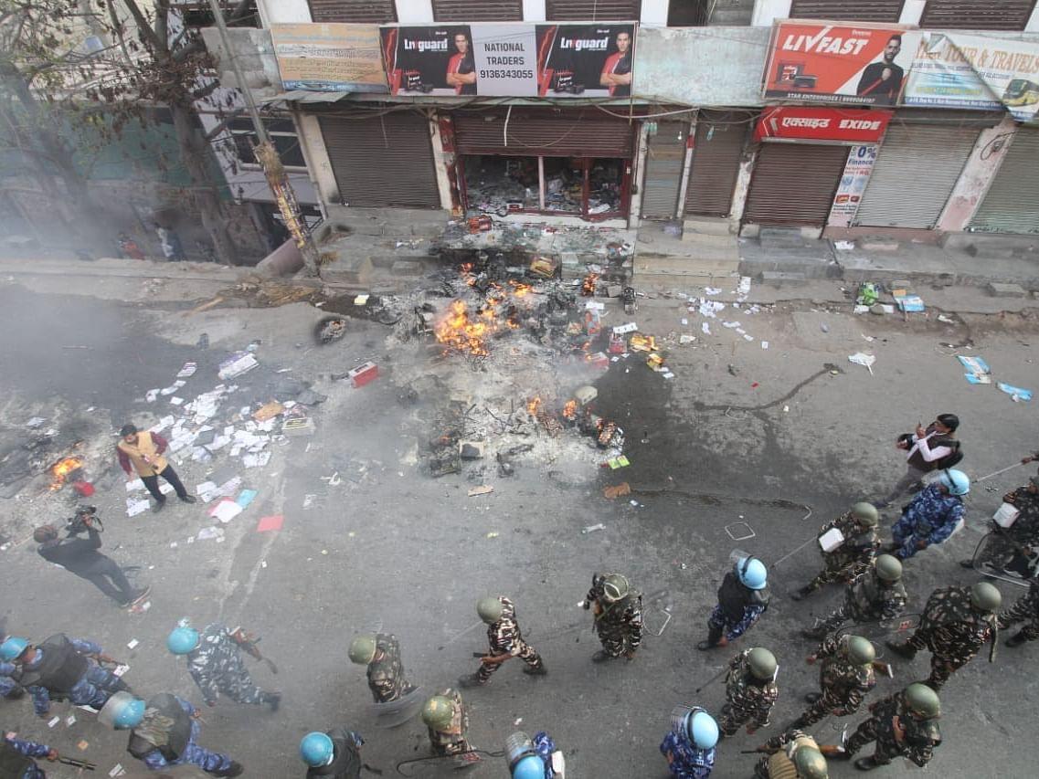 दिल्ली में बढ़ते मौतों के आंकड़ों का कौन जिम्मेदार?