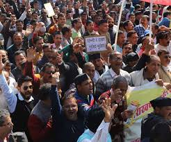उत्तराखंड सरकार बड़ा फैसला,पदोन्नति में आरक्षण किया खत्म,कर्मचारी लौटे काम पर