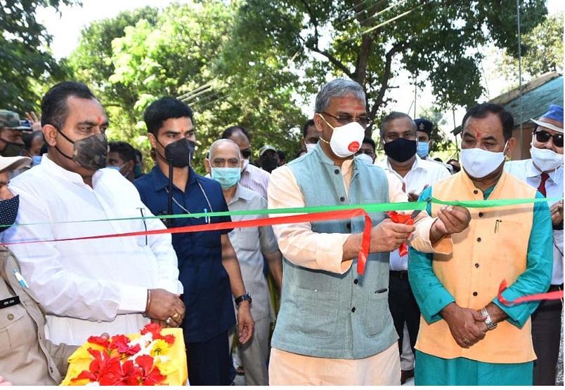 सीएम त्रिवेन्द्र रावत एवं वन मंत्री डॉ.हरक सिह रावत ने आनन्द वन का किया लोकापर्ण