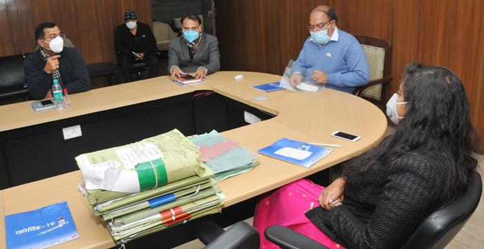 उत्तराखंड में कोविड-19 के वैक्सीनेसन की तैयारियों को लेकर मुख्य सचिव ने ली बैठक