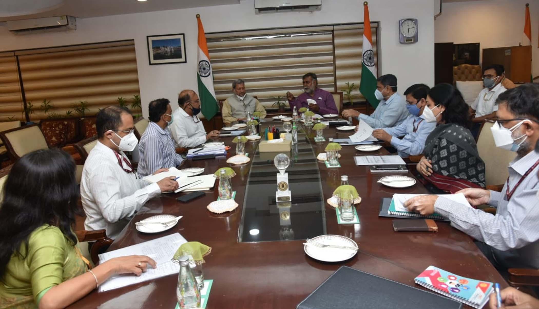 मुख्यमंत्री तीरथ सिंह रावत ने केंद्रीय पर्यटन एवं संस्कृति राज्य मंत्री प्रहलाद सिंह पटेल से की भेंट
