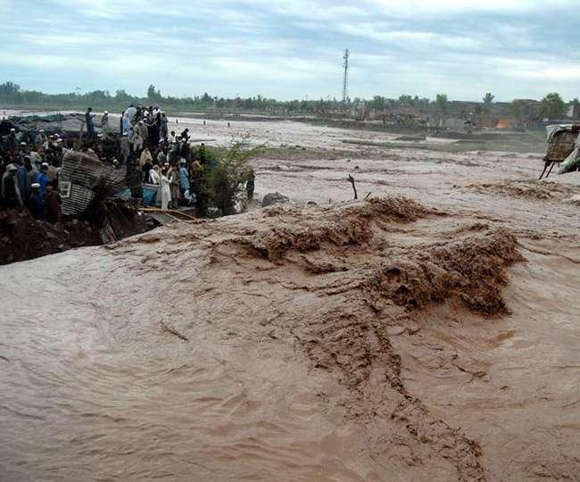 भारत में बारिश से मचा हाहाकार