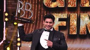 अभिनेता सिद्धार्थ शुक्ला का मुंबई में हार्ट अटैक से निधन