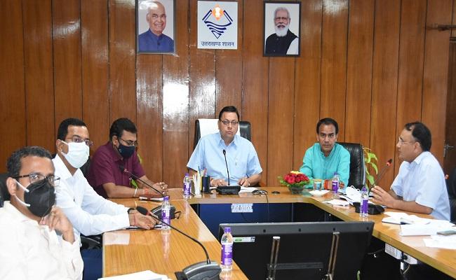 सीएम पुष्कर धामी ने की कोविड-19 एवं डेंगू से बचाव कार्यों की समीक्षा,अधिकारियों एवं विभागों को दिए ज